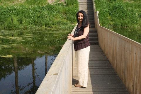 ueberland.ilona .pfeifer Eine unsichtbare Brücke