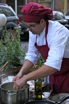 Betonküche und Koch Sebastian Lippay