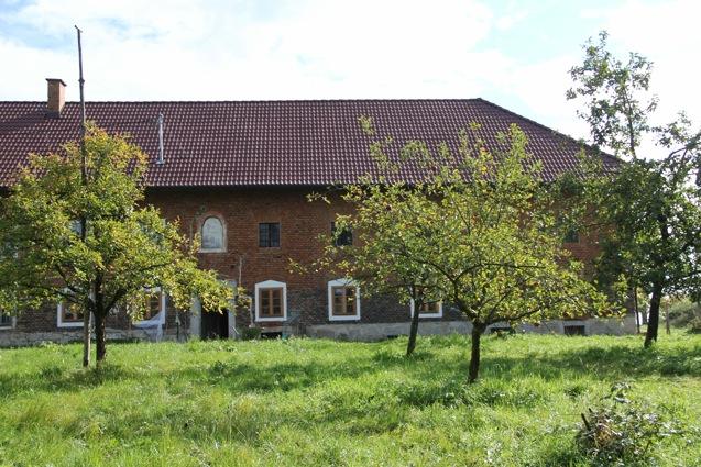 Hofgebäude von Beate und Herbert Schachner