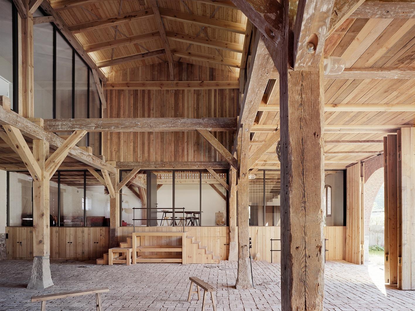 kuhstall wird bestes haus 2016 ber land ber land. Black Bedroom Furniture Sets. Home Design Ideas