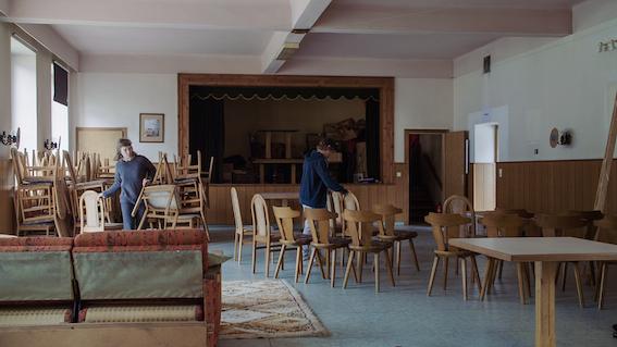 Rettet das Dorf, Wirtshaus
