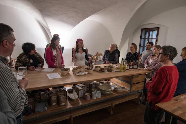 Bäuerinnen, Brot und Sehnsucht, Biobackschule Drosendorf
